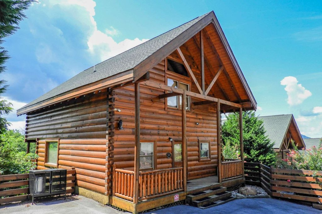 Photo of a Sevierville Cabin named A Bear's-eye View - This is the first photo in the set.
