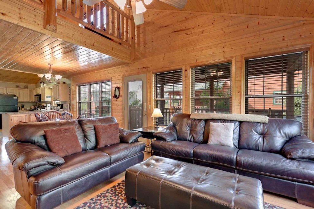 Photo of a Pigeon Forge Cabin named Cajun Cabin - This is the fourth photo in the set.