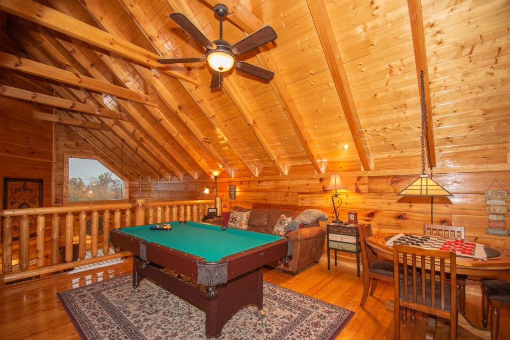 Photo of a Sevierville Cabin named A Bear's-eye View - This is the eleventh photo in the set.