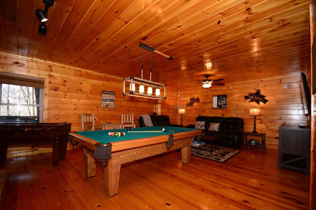 Photo of a Sevierville Cabin named Hidden Haven - This is the twelfth photo in the set.