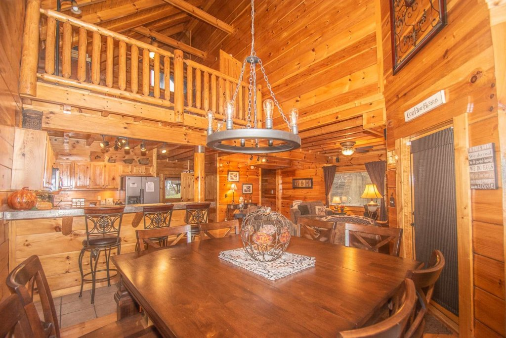 Photo of a Sevierville Cabin named A Bear's-eye View - This is the ninth photo in the set.