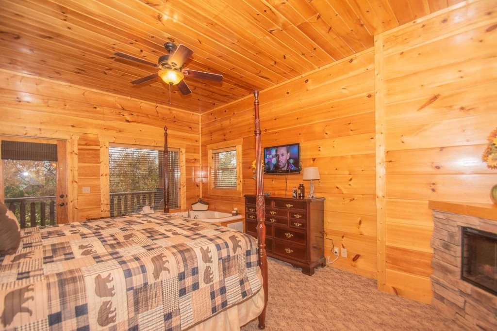 Photo of a Sevierville Cabin named A Bear's-eye View - This is the twenty-seventh photo in the set.