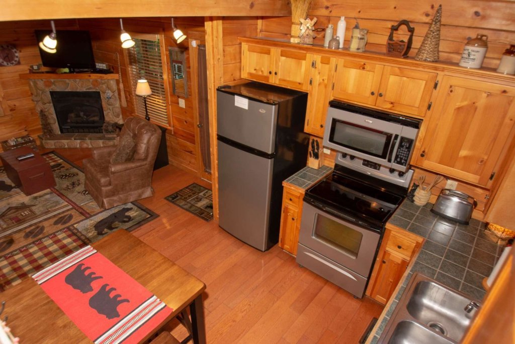 Photo of a Gatlinburg Cabin named Too Cozy - This is the fortieth photo in the set.