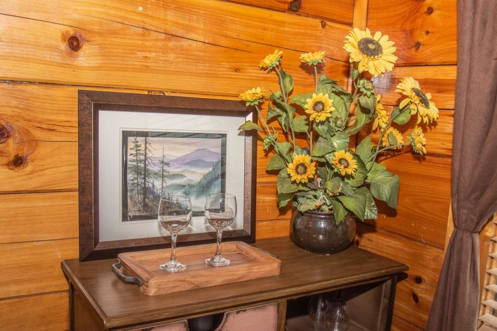 Photo of a Sevierville Cabin named A Bear's-eye View - This is the seventh photo in the set.
