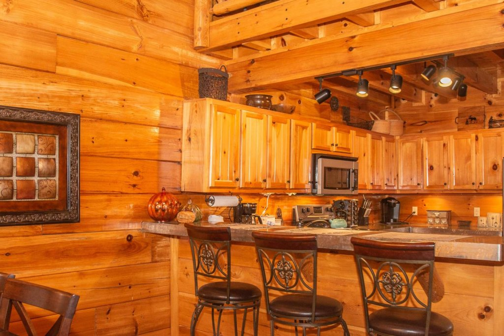 Photo of a Sevierville Cabin named A Bear's-eye View - This is the twenty-first photo in the set.