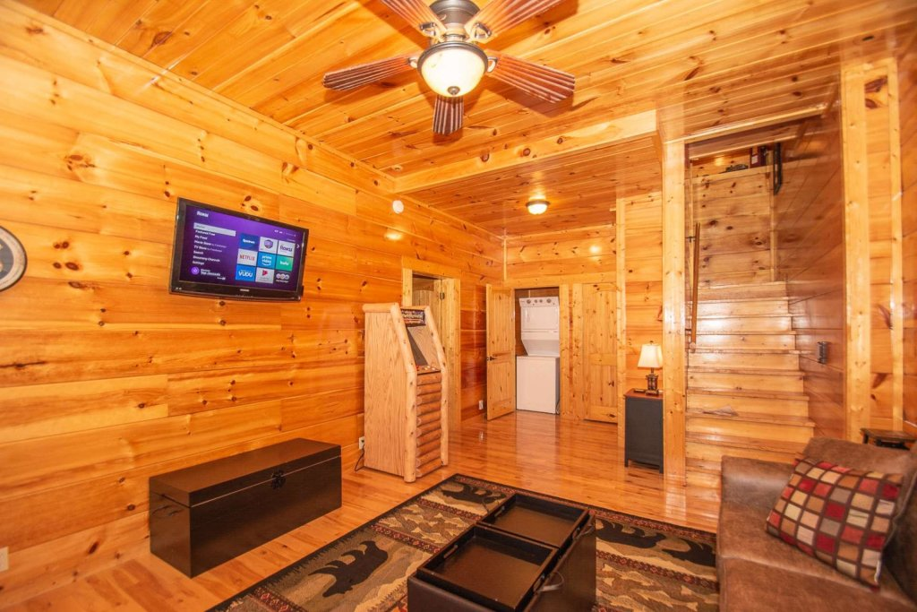 Photo of a Sevierville Cabin named A Bear's-eye View - This is the thirty-fourth photo in the set.