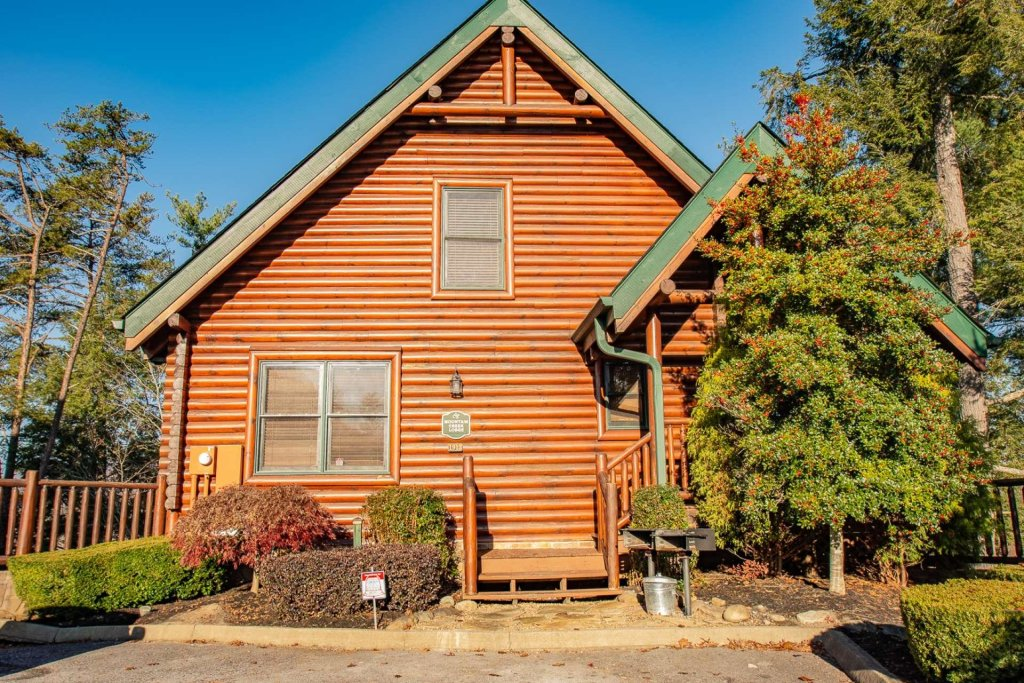 Photo of a Sevierville Cabin named Mountain Creek Lodge - This is the forty-first photo in the set.