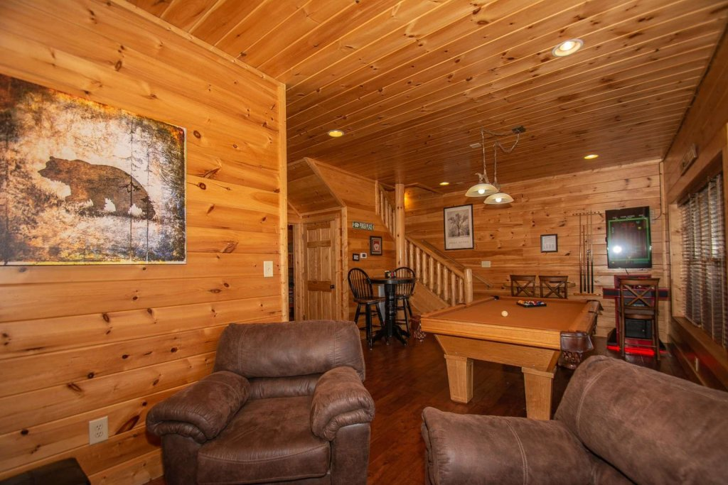 Photo of a Sevierville Cabin named Mountain Creek Lodge - This is the thirty-third photo in the set.
