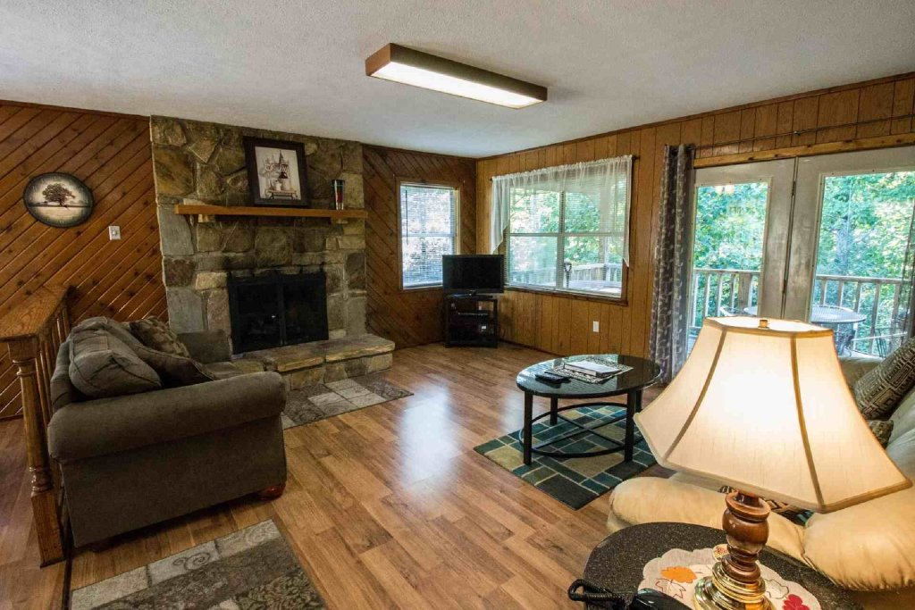 Photo of a Gatlinburg Cabin named Crestview Chalet #1 - This is the fourth photo in the set.