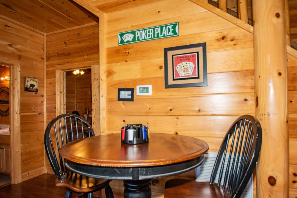 Photo of a Sevierville Cabin named Mountain Creek Lodge - This is the fourth photo in the set.