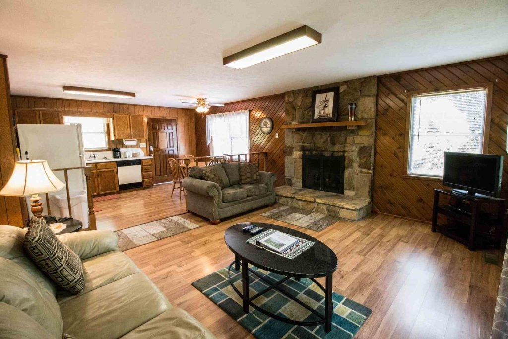 Photo of a Gatlinburg Cabin named Crestview Chalet #1 - This is the ninth photo in the set.