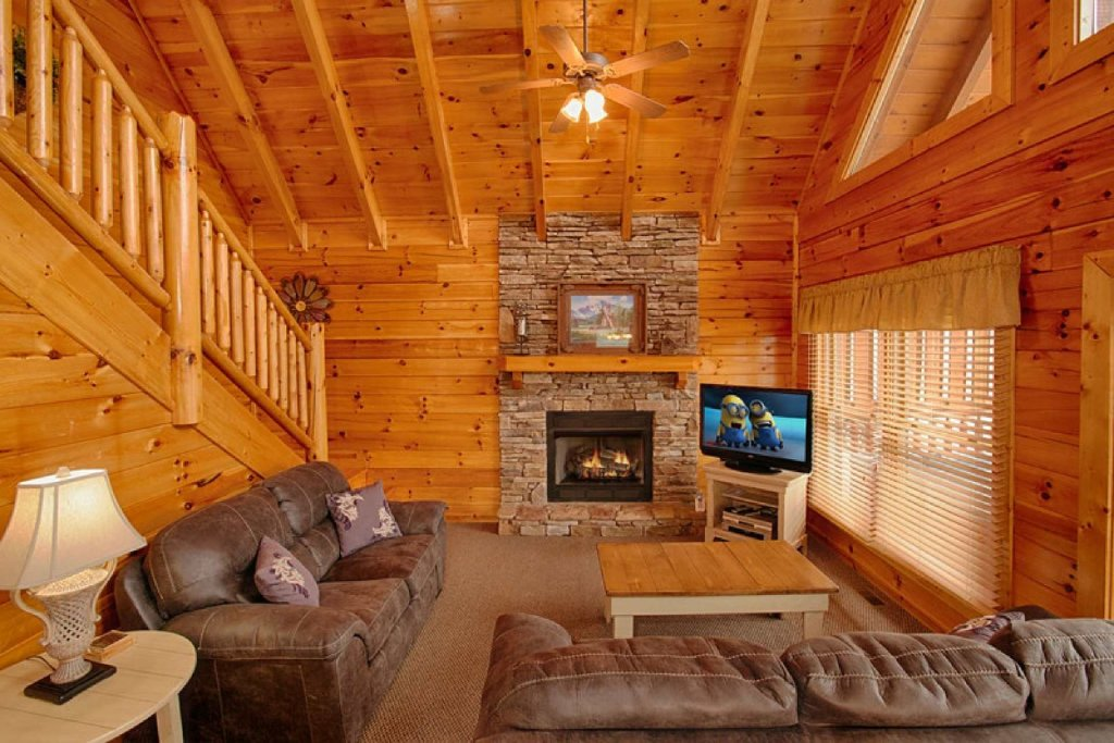 Photo of a Pigeon Forge Cabin named Victoria's Other Secret - This is the fifth photo in the set.