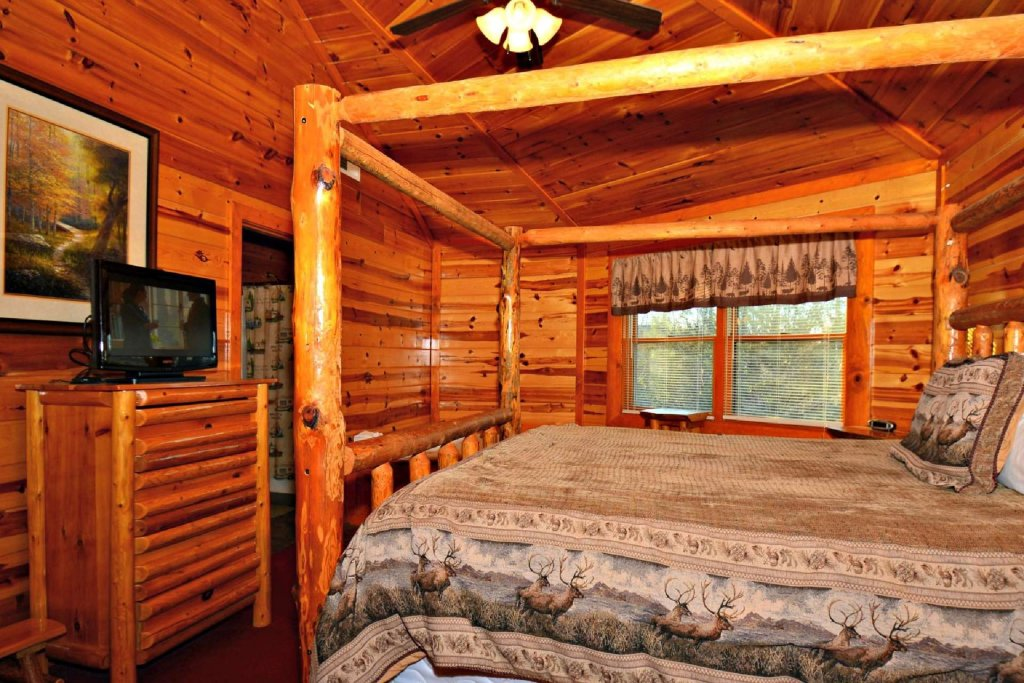 Photo of a Gatlinburg Cabin named Evannely Memories - This is the sixteenth photo in the set.