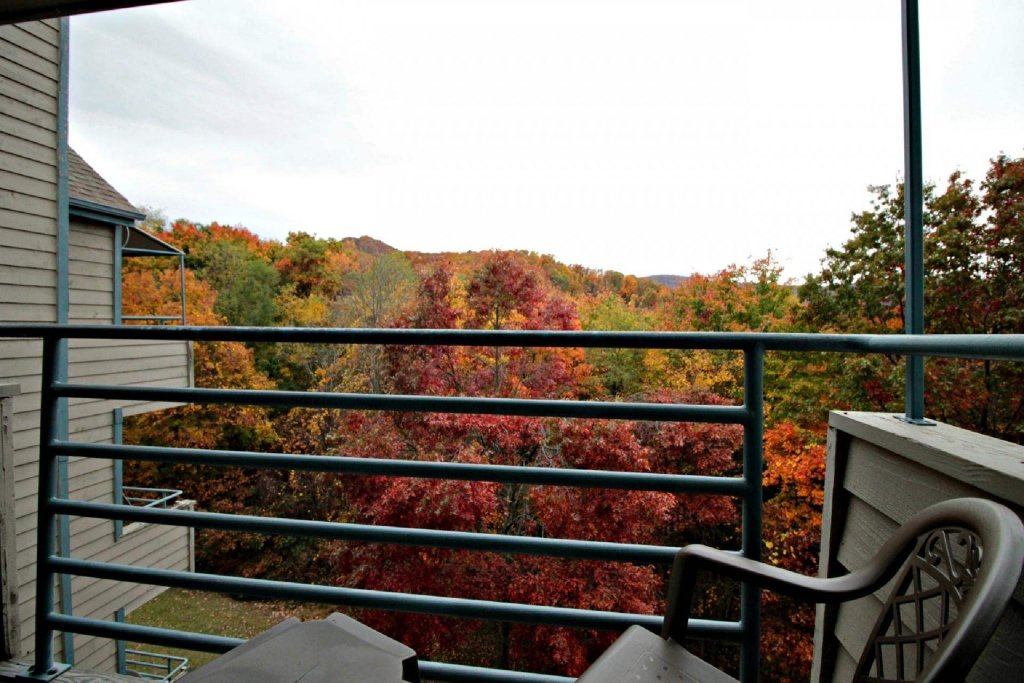 Photo of a Gatlinburg Cabin named Summit Condominiums #3304 - This is the seventeenth photo in the set.
