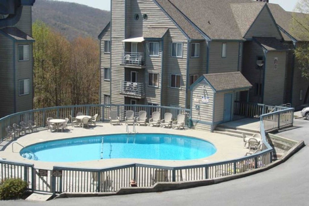 Photo of a Gatlinburg Cabin named Summit Condominiums #3304 - This is the fifteenth photo in the set.