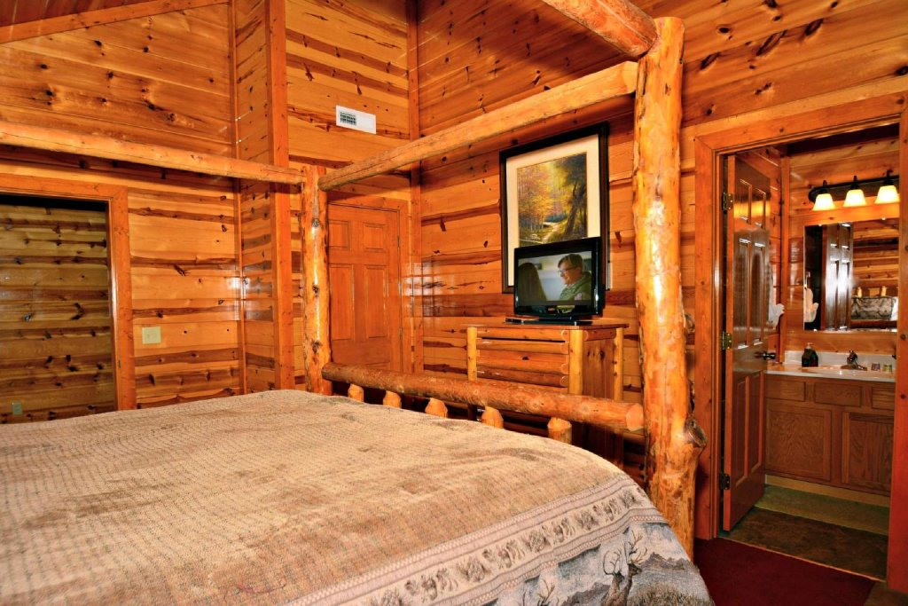 Photo of a Gatlinburg Cabin named Evannely Memories - This is the twentieth photo in the set.