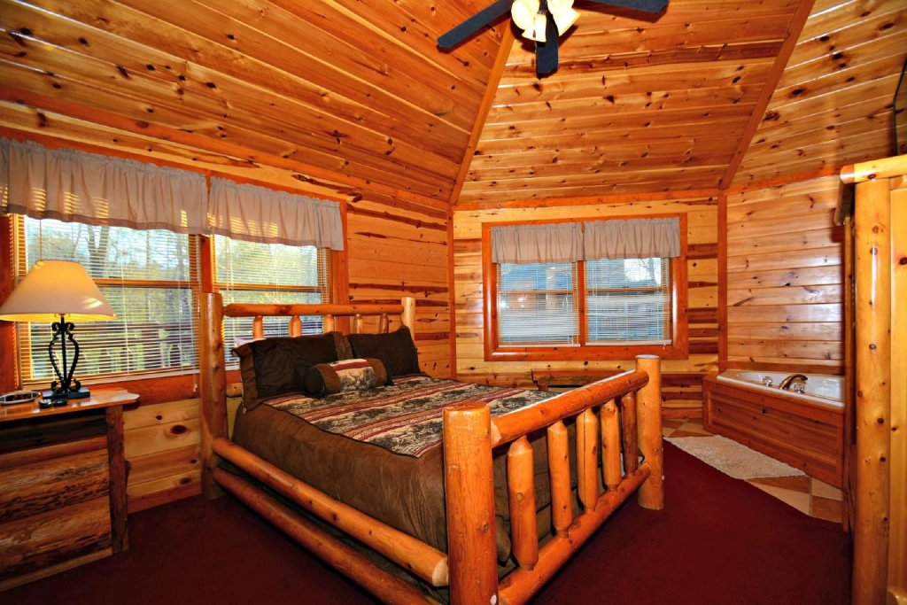 Photo of a Gatlinburg Cabin named Evannely Memories - This is the twelfth photo in the set.
