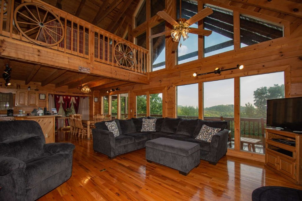 Photo of a Pigeon Forge Cabin named Lasting Impressions Lodge - This is the first photo in the set.