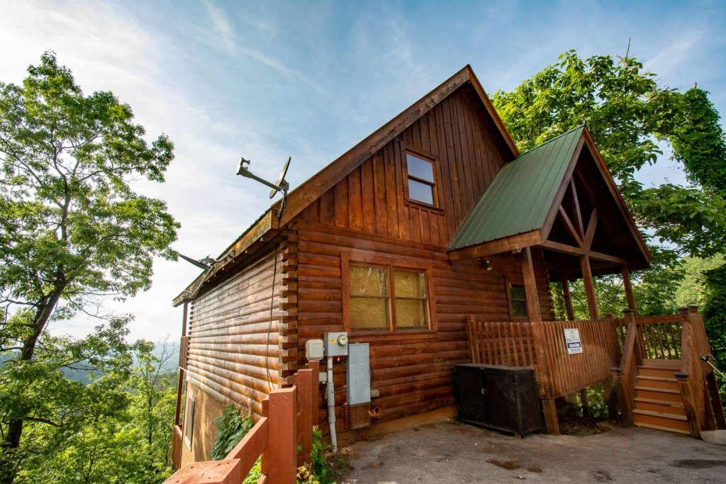 Photo of a Pigeon Forge Cabin named Falcon Ridge - This is the twenty-eighth photo in the set.