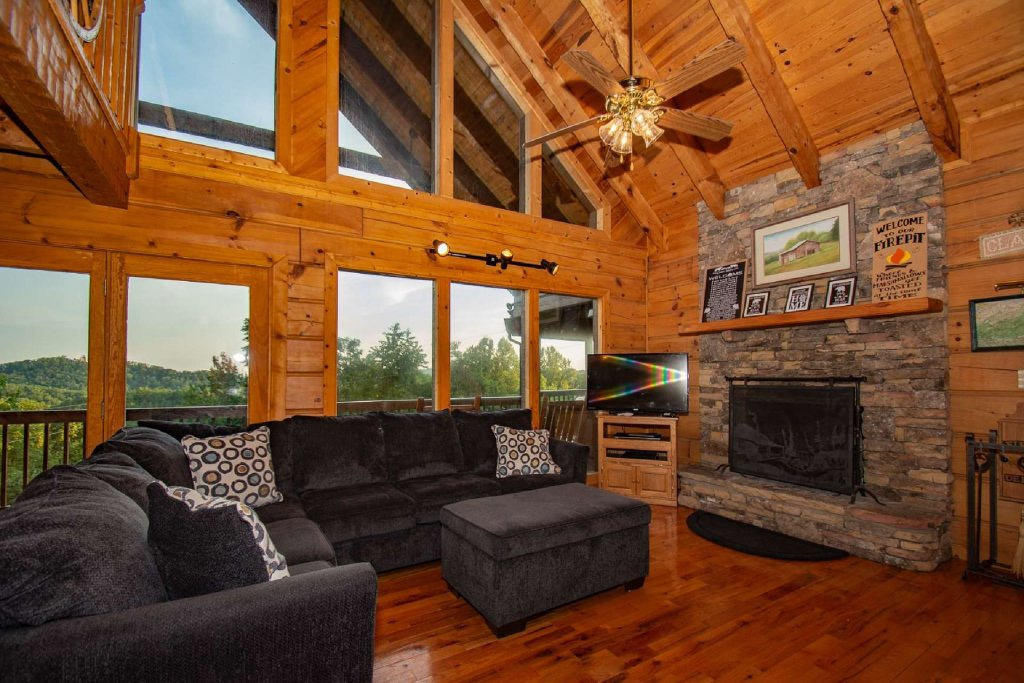 Photo of a Pigeon Forge Cabin named Lasting Impressions Lodge - This is the ninth photo in the set.