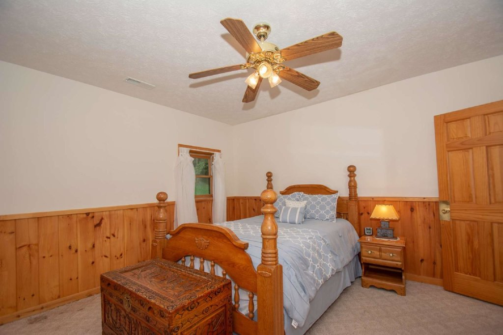 Photo of a Pigeon Forge Cabin named Lasting Impressions Lodge - This is the sixteenth photo in the set.