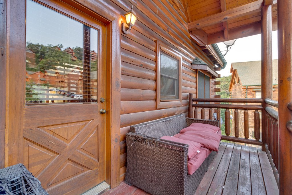 Photo of a Pigeon Forge Cabin named Bit O'honey - This is the sixtieth photo in the set.