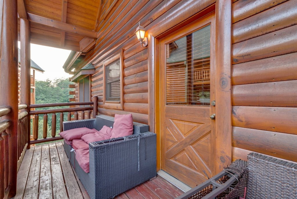 Photo of a Pigeon Forge Cabin named Bit O'honey - This is the sixty-first photo in the set.