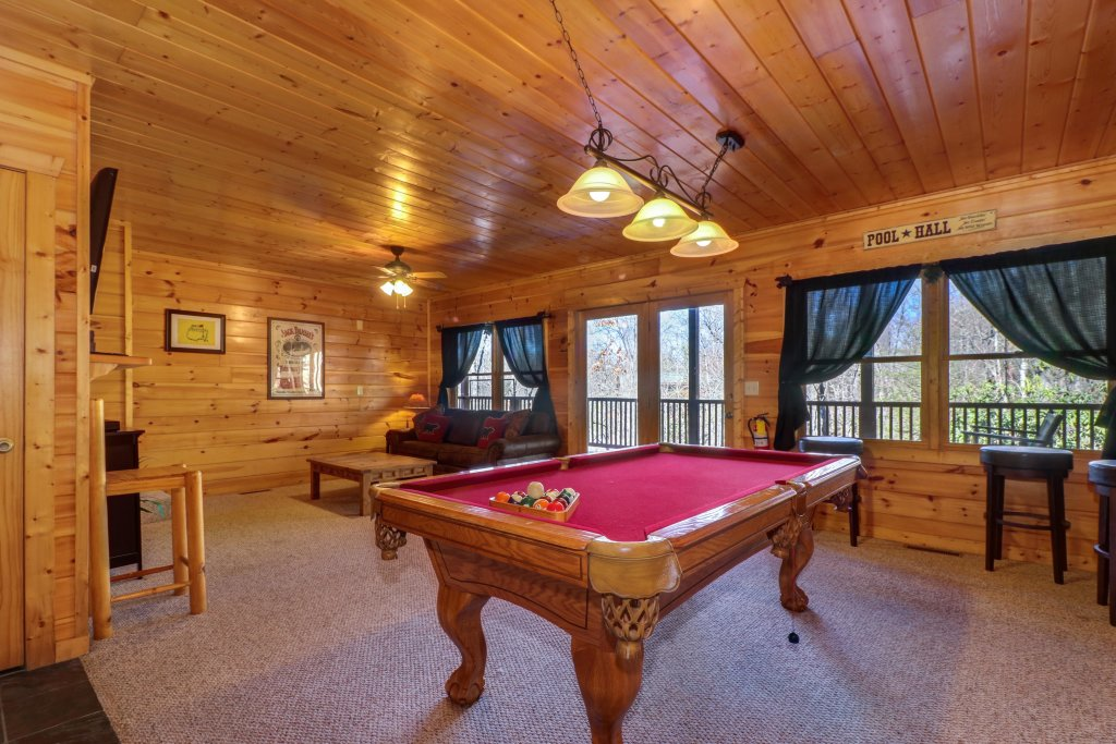 Photo of a Pigeon Forge Cabin named Gristmill Getaway - This is the third photo in the set.