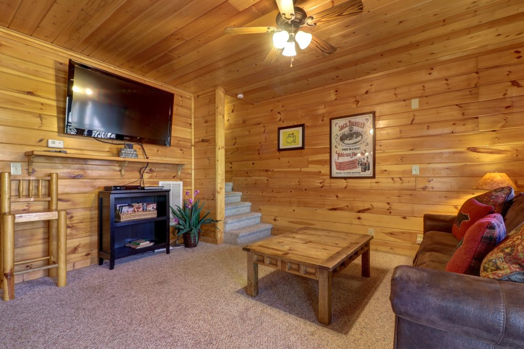 Photo of a Pigeon Forge Cabin named Gristmill Getaway - This is the eleventh photo in the set.