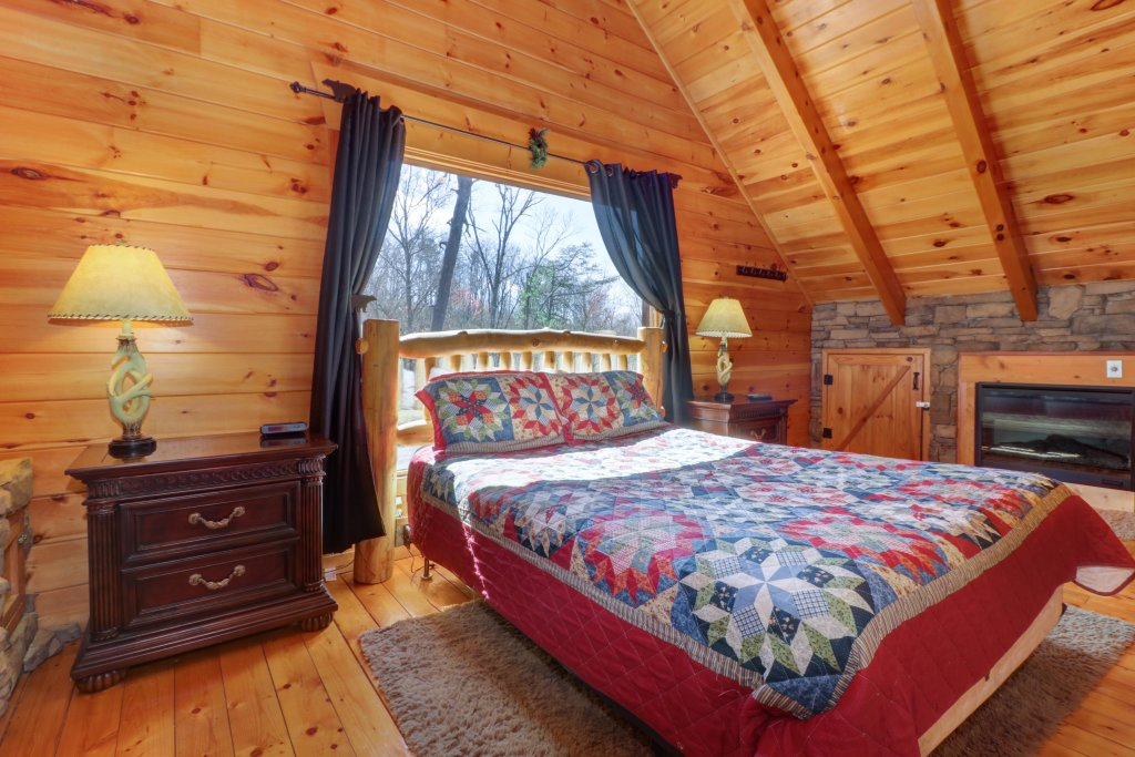 Photo of a Pigeon Forge Cabin named Gristmill Getaway - This is the fifteenth photo in the set.