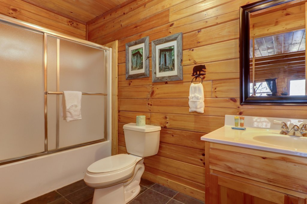 Photo of a Pigeon Forge Cabin named Gristmill Getaway - This is the twentieth photo in the set.