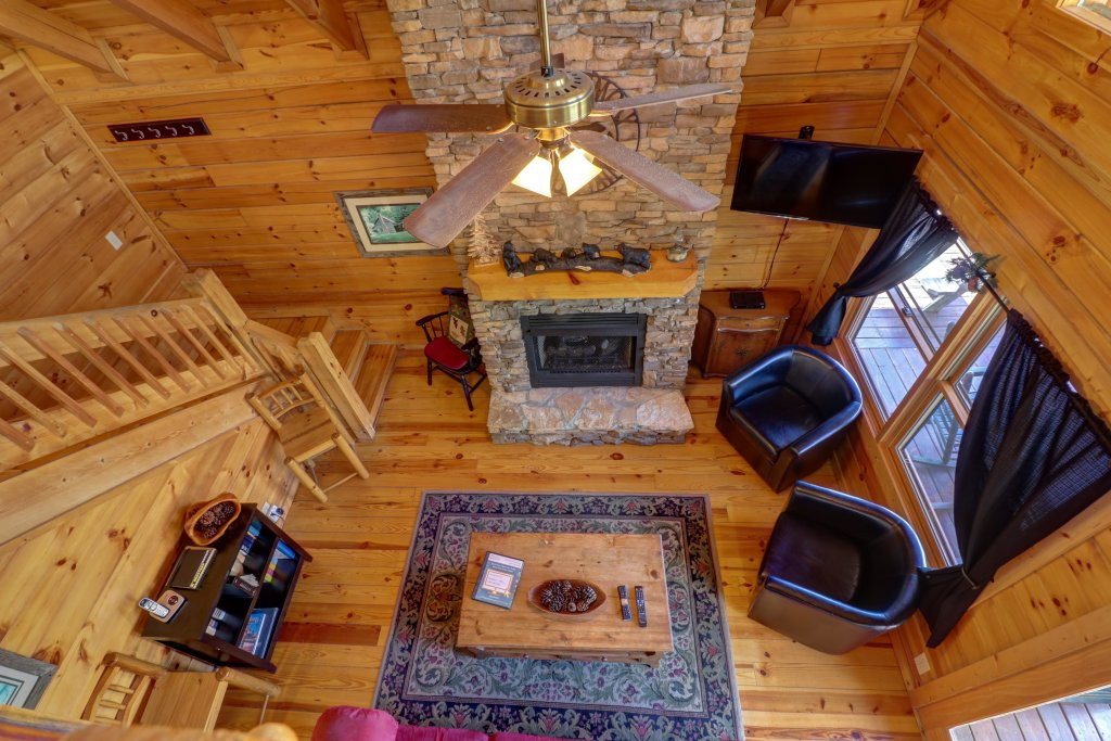 Photo of a Pigeon Forge Cabin named Gristmill Getaway - This is the twenty-sixth photo in the set.