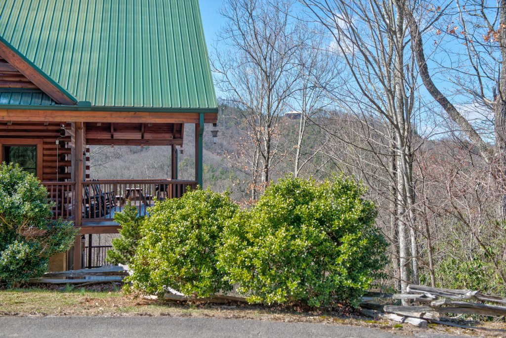 Photo of a Pigeon Forge Cabin named Gristmill Getaway - This is the twenty-fourth photo in the set.