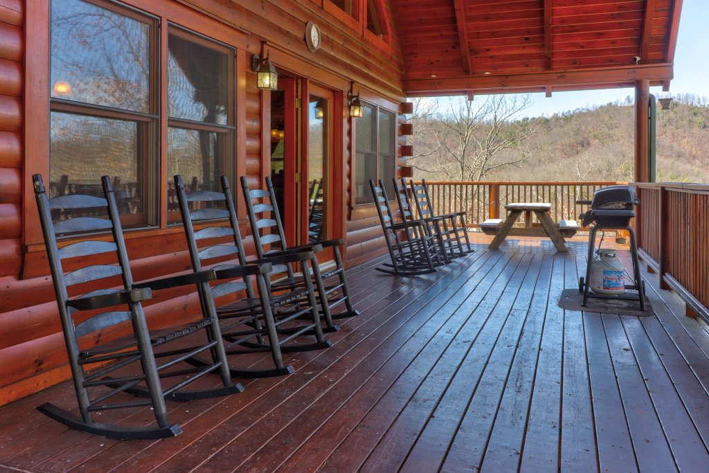 Photo of a Pigeon Forge Cabin named Gristmill Getaway - This is the thirty-fifth photo in the set.