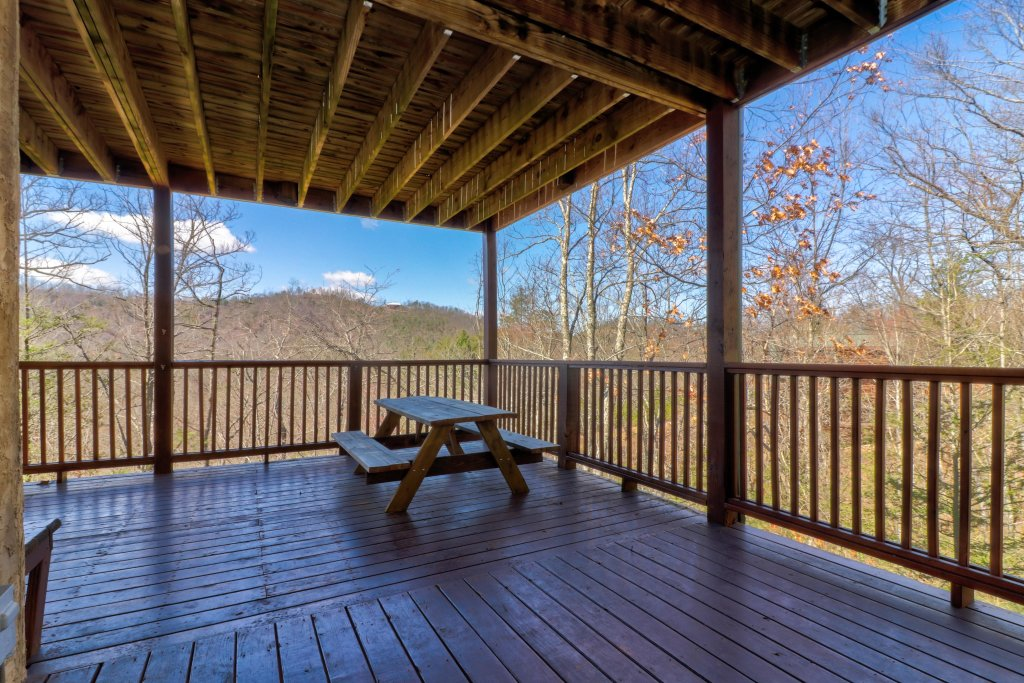 Photo of a Pigeon Forge Cabin named Gristmill Getaway - This is the thirty-ninth photo in the set.