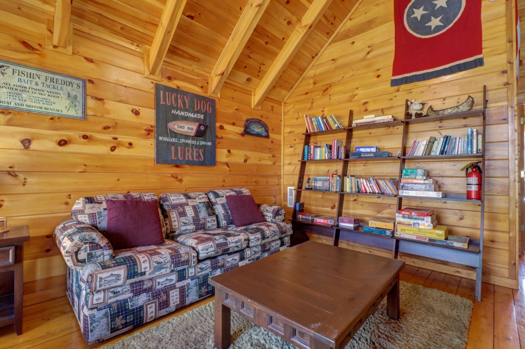 Photo of a Pigeon Forge Cabin named Gristmill Getaway - This is the forty-third photo in the set.