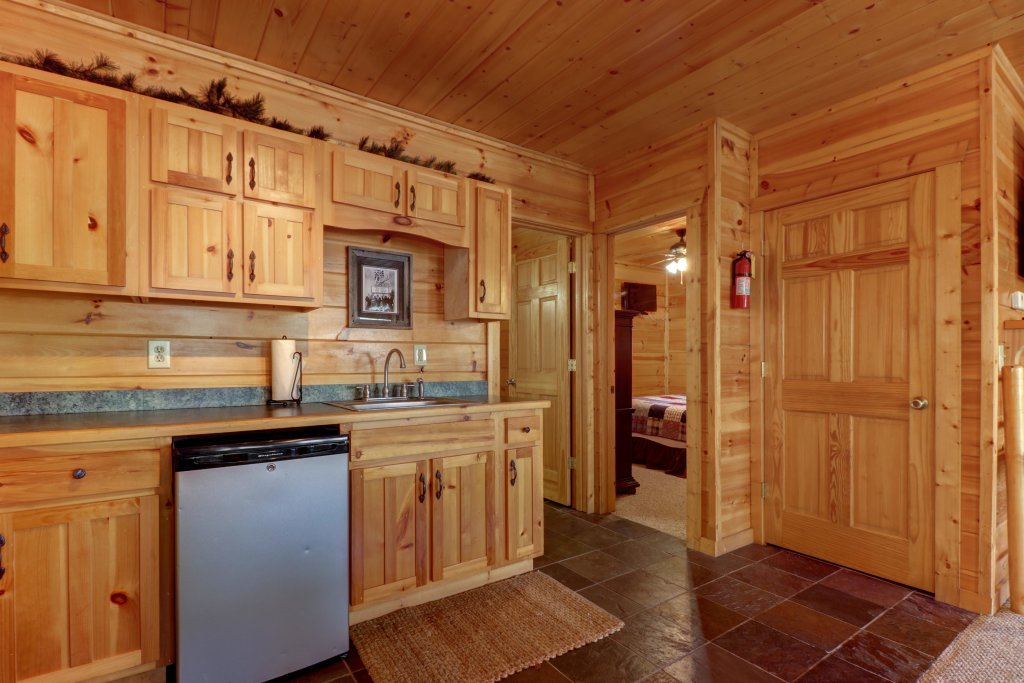 Photo of a Pigeon Forge Cabin named Gristmill Getaway - This is the fortieth photo in the set.