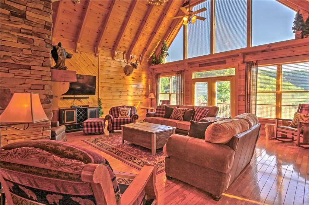 Photo of a Sevierville Cabin named Trappers Ridge - This is the fifth photo in the set.