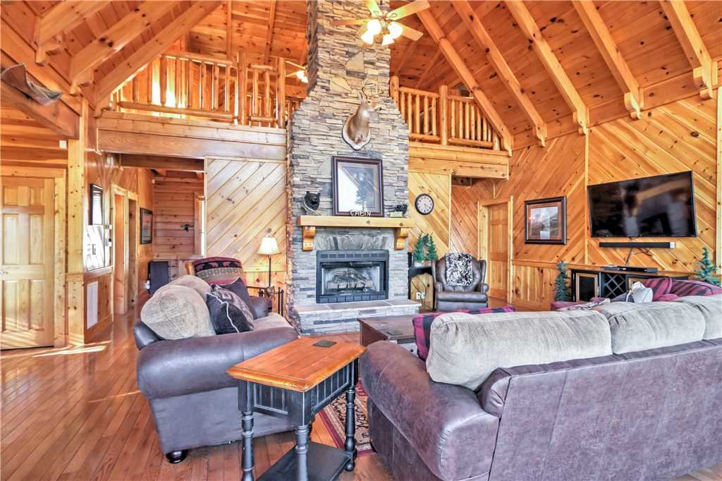 Photo of a Sevierville Cabin named Trappers Ridge - This is the seventh photo in the set.
