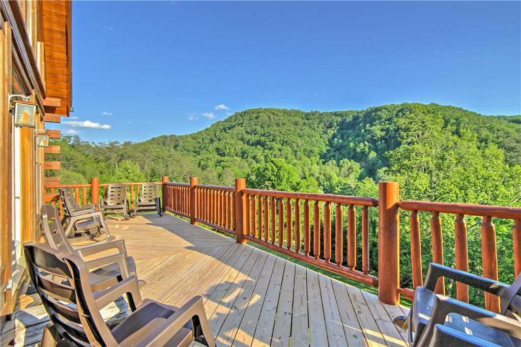 Photo of a Sevierville Cabin named Trappers Ridge - This is the thirteenth photo in the set.