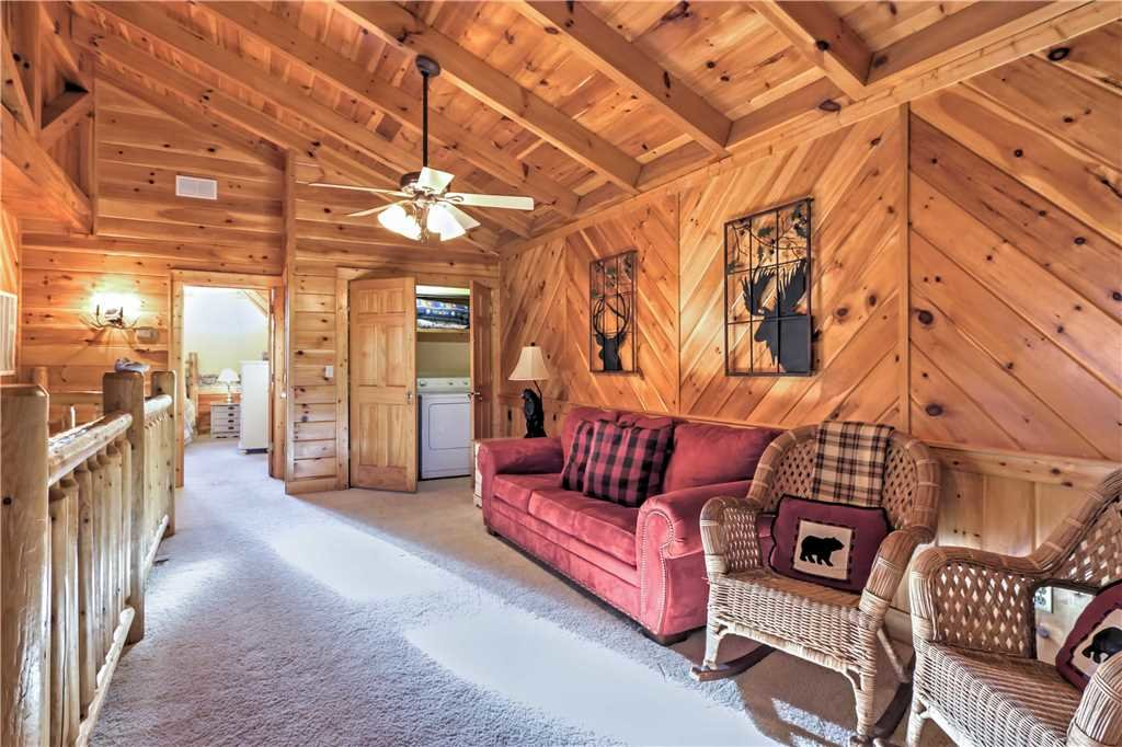 Photo of a Sevierville Cabin named Trappers Ridge - This is the twenty-first photo in the set.