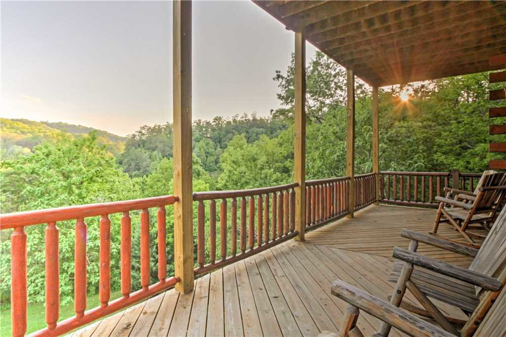 Photo of a Sevierville Cabin named Trappers Ridge - This is the fortieth photo in the set.