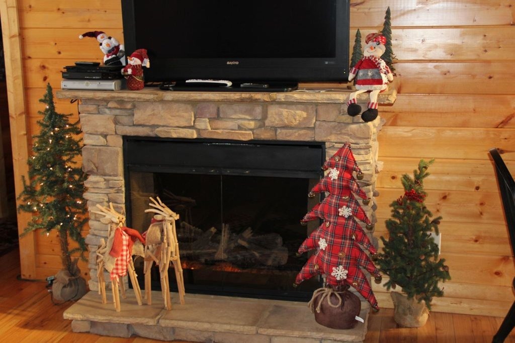 Photo of a Pigeon Forge Cabin named Smoky Mountain View - This is the third photo in the set.