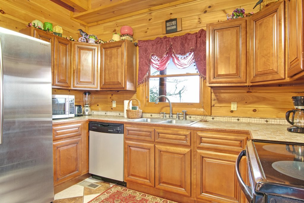 Photo of a Sevierville Cabin named Galaxy Splash - This is the thirteenth photo in the set.