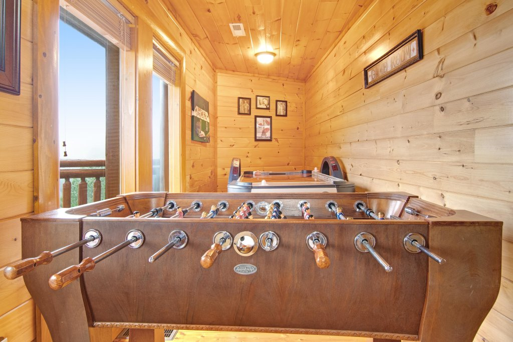 Photo of a Sevierville Cabin named Galaxy Splash - This is the twenty-fourth photo in the set.