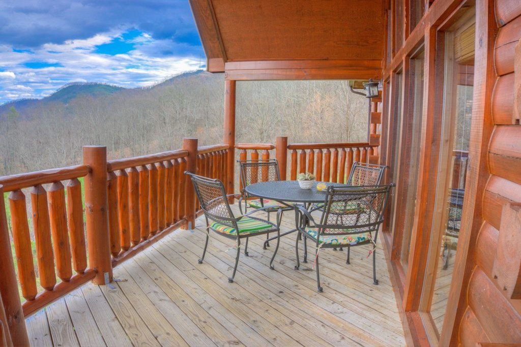 Photo of a Pigeon Forge Cabin named Smoky Mountain View - This is the twenty-third photo in the set.