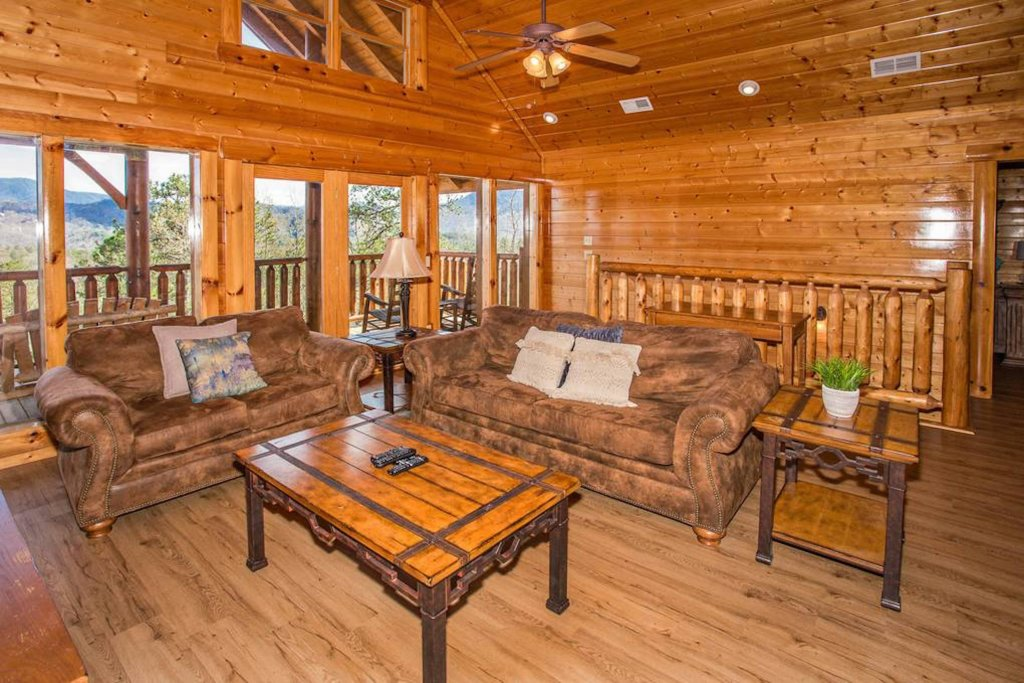 Photo of a Sevierville Cabin named Heaven Sent - This is the seventh photo in the set.