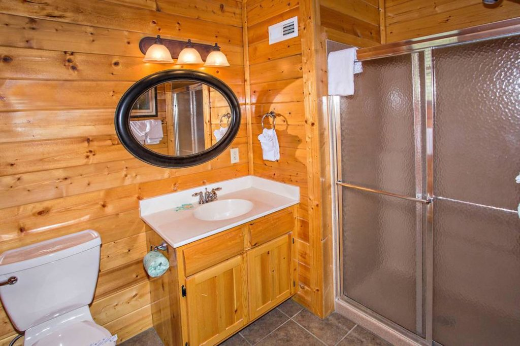 Photo of a Sevierville Cabin named Heaven Sent - This is the eighteenth photo in the set.