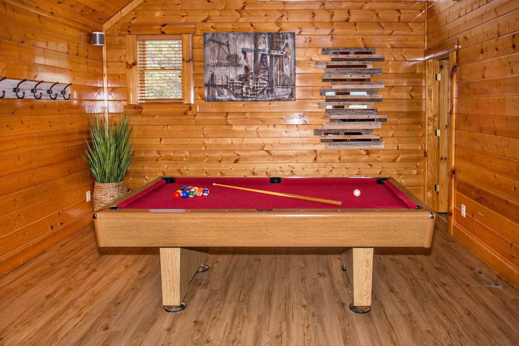 Photo of a Sevierville Cabin named Heaven Sent - This is the twenty-fifth photo in the set.