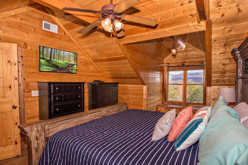 Photo of a Sevierville Cabin named Heaven Sent - This is the twenty-third photo in the set.